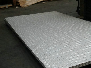 不锈钢防滑板11